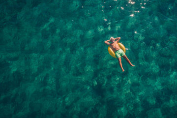 14 Travel Hacks for a Stress-Free Summer