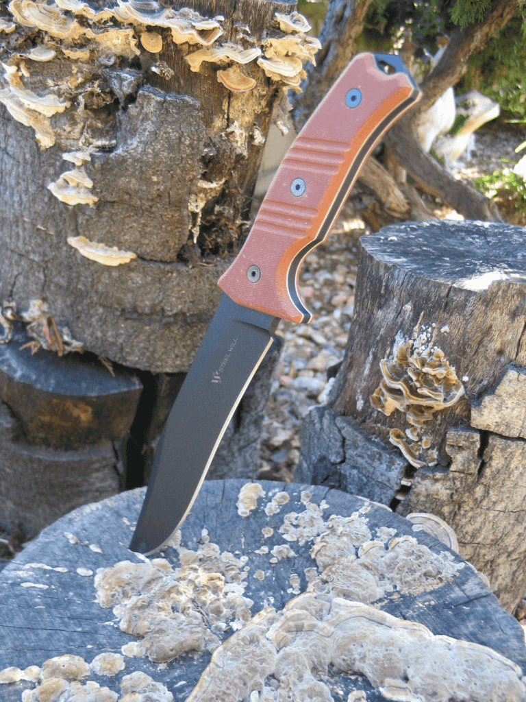 The Steel Will Chieftain is available with grips in two different colors, copper (shown) and a subtle camouflage green.
