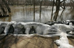 Shoring Up for the Storm: How to Build a Sandbag Wall
