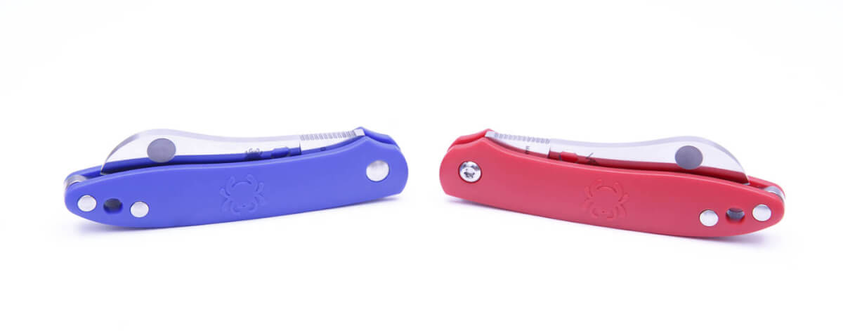 The Roadie, a small pocket knife, with a blade that is easy to open