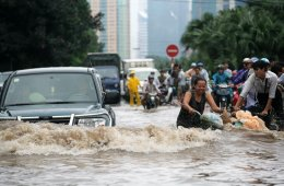 Dangerous Waters: 10 Tips for Surviving a Flood