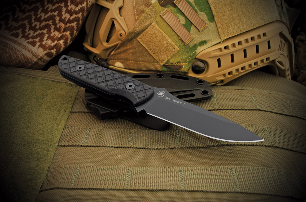 The Alala's handle is designed in such a way that it inspires great confidence for a positive grip in all conditions.