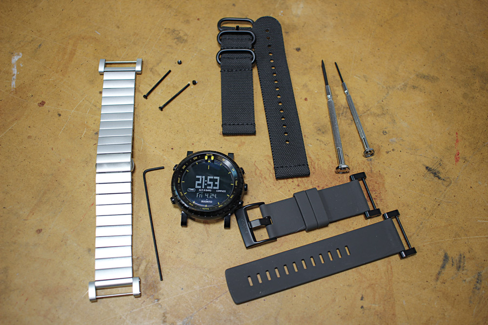 With a couple of simple tools, you can switch among a variety of available Suunto wrist straps to suit your preferences.
