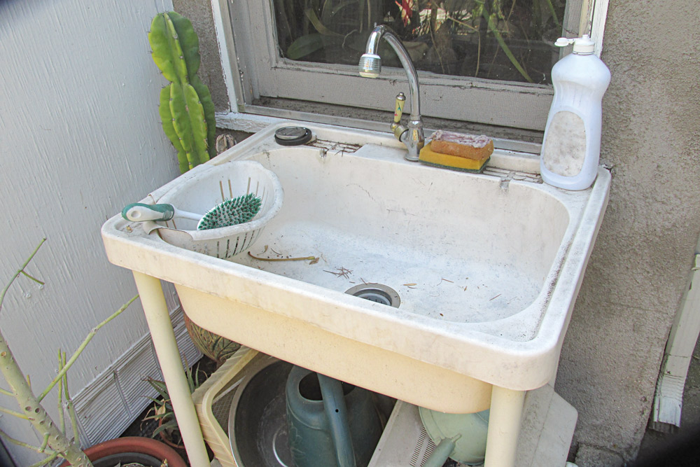 Setting up a sink in your backyard has many benefits.
