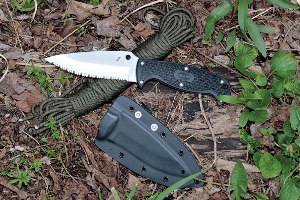 The Jumpmaster 2 was redesigned from the original Jumpmaster to give it a more useful leaf-shaped, drop point blade configuration.