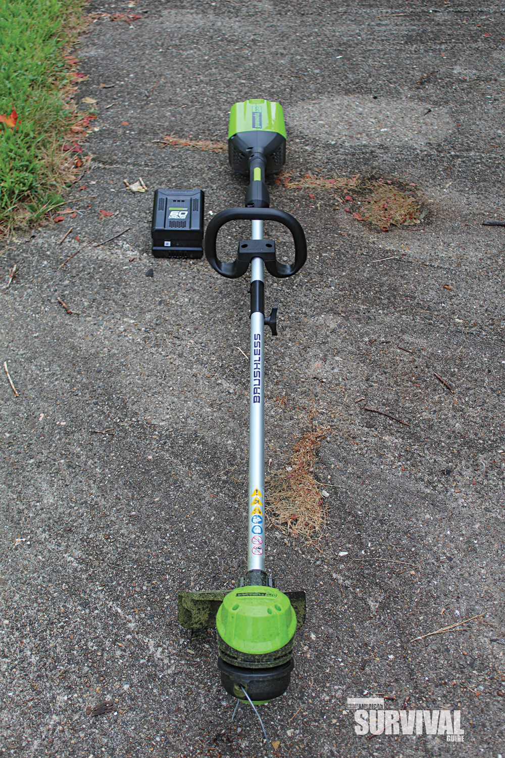 battery-powered weed trimmer